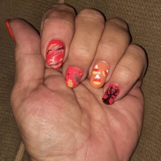 It's finally fall and time for some seasonal nails!  Message me or text 321-848-6789 for an appointment
